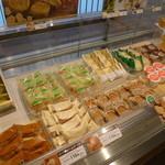六花亭 - 洋生菓子もこんなにあります