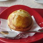 ビストロ ル ポール -  そして追加したサザエのパイ包み、この店人気の一品です。