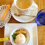 Cafe Butter Lily - ホットスイートポテト リンゴアイスのせセット\600