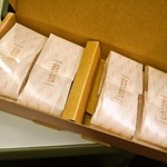 キャラメル キッチン - 「アーモンド」は4袋(1袋2個入り)