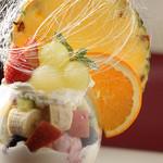Pastorante OHANA - 盛りだくさんのフルーツパフェ☆