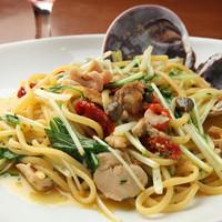 Pastorante OHANA - 師崎産大アサリとドライトマト、水菜のオリーブオイル和えのパスタ☆
