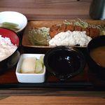 Hokkaidouhadekkaidouohotsukunomegumiabashirishi - オホーツク鮭フライ定食