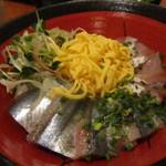 魚殿 - 二色丼