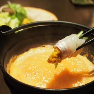 四季折々、旬の素材を使った和食をお楽しみいただけます。