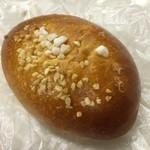 パン・デ・キラン - ブリオッシュクリームパン180円