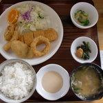つぼや食堂 - 料理写真:ミックスフライ定食 700円