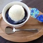 カフェ ダスティアーツ - コーヒーゼリー onアイス