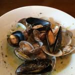 30822860 - 色んな貝のスープ仕立て