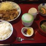 くいもん家 ふるさと - 能登豚生姜焼き膳950円(コーヒーセルフ付)