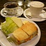 CAFE FLORIAN - モーニングBとサラダ