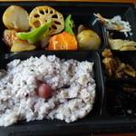 大戸屋 - 真だらと野菜の黒酢あん弁当 781円