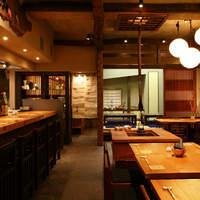 神田 わだつみ - 古民家風造りの店内です