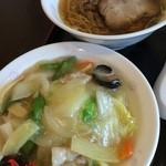 木里吉里 - 料理写真:中華飯とラーメンランチ840円