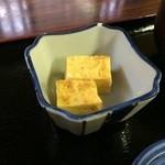 町の小さな食堂 日天 - 小鉢は、玉子焼き