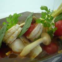 クワン チャイ - スープには、毒素を抜くパクチーなどの香草を使っています。