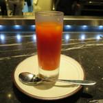 Toshi Yoroizuka - トマトとオレンジのスープ