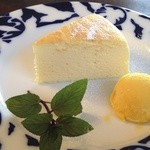 30842387 - チーズスフレ+アイス(マンゴー)