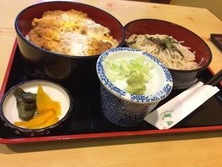 若松 - 2014.09 かつ丼セット(全景)