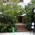 30847667 - 住宅街にこつ然と現れる緑に囲まれたレストラン