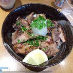 まぐろ 藤田 - 鮪ホホ肉のステーキ丼
