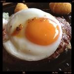 びっくりドンキー - 料理写真:エッグバーグステーキ