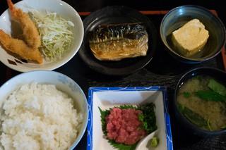和食処 一貫 - サバ塩焼き定食