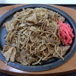 富士宮やきそば こころ - 肉入り焼きそば(\690)