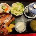 30852077 - 海鮮丼