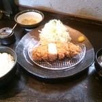 平田牧場 とん七 - 金華豚厚切りロースかつ膳(2500円)