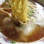 大勝食堂 - ラーメンの麺