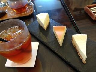 カフェ&ガーデン しらさぎ邸 - 三種のチーズケーキ