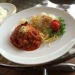 UTALO - お昼ごはん  ハンバーグランチ おいしい (*´ڡ`●)