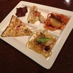 ジ オーブン アメリカン ビュッフェ - 平日ディナー(大人2,160円)の「ピザ・本日のパスタ・ナポリタン・グラタン・ミーとローフ」2014年9月