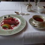 ボア・ド・ブローニュ - ケーキと紅茶