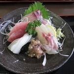 なぶら - お刺身定食 1050円
