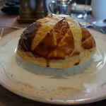 エルミタージュ - ビーフストロガノフのパイ包み