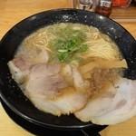 高虎屋 - 背脂醤油ラーメン(並)