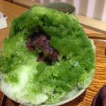 赤福茶屋 - 赤福氷にはしっとりのコシアンと白玉団子
