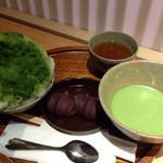 赤福茶屋 - 赤福氷と、赤福 抹茶のセット