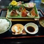 新鮮処 魚里 - 刺身定食