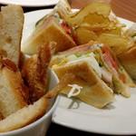 セントル ザ・ベーカリー - クラブサンドイッチと耳