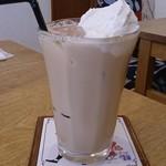 30877903 - 抹茶とナッツのミルクティー