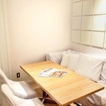 24/7 café apartment - 半個室のお席もご用意しております。