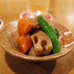 天神橋サンボア - 鶏肉とれんこんの旨煮(300円)