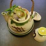 河内長野荘 - にぎわい会席秋のもう1品 松茸の土瓶蒸し