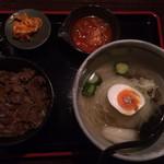 30887963 - 米沢牛丼と冷麺セット(2014.9)