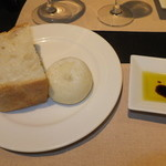 ノーザンテラスダイナー - 和牛ヒレ肉ステーキコース 7000円 自家製パンとオリーブオイル  【 2014年9月 】