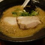 麺工房 弾 - 料理写真:太麺こくとろラーメン790円