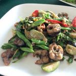 Sai Thong River Restaurant - うなぎの炒め物